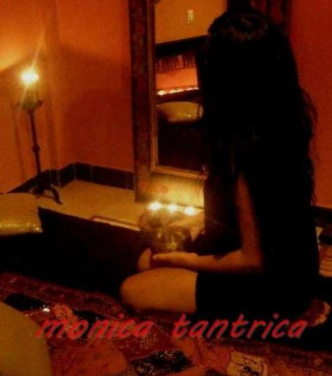 Mónica Tántrica